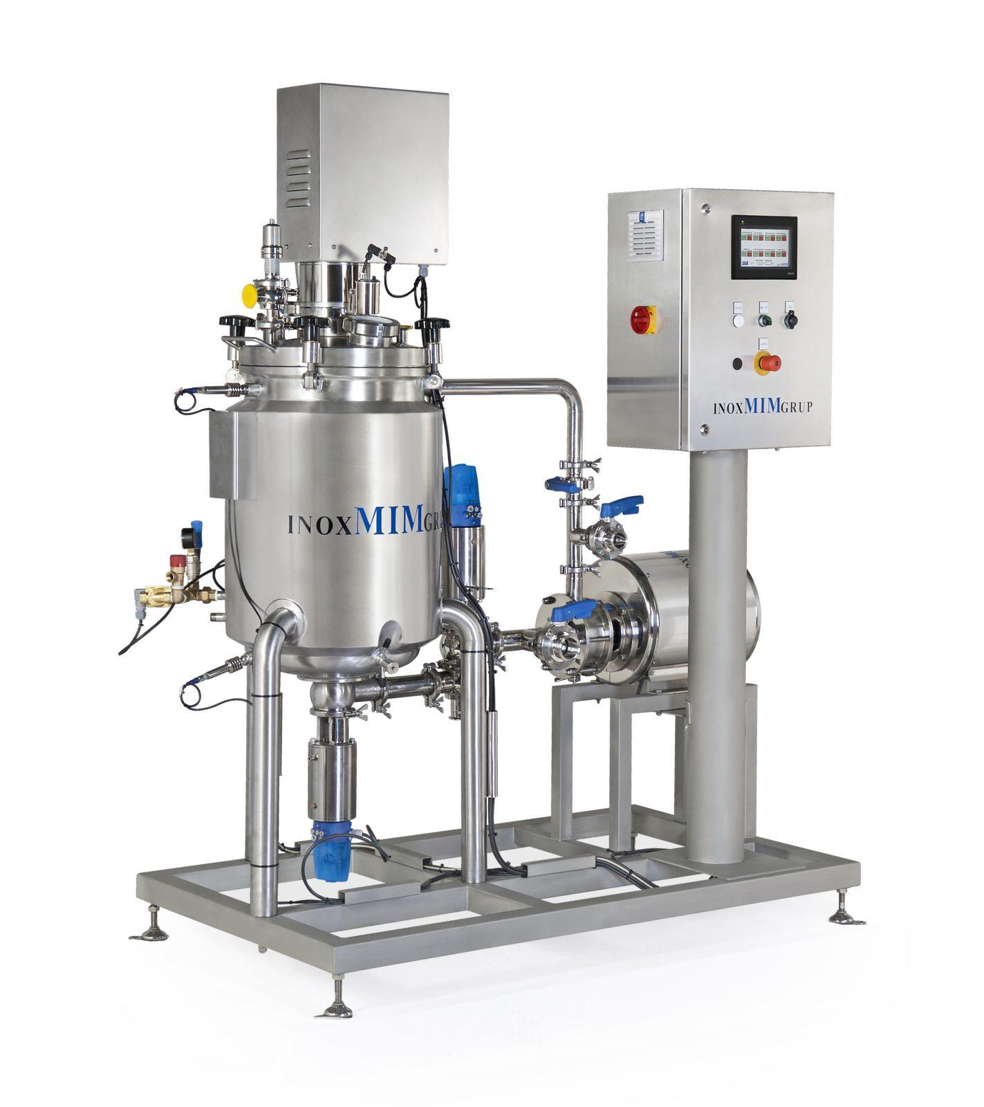 Compact reactor with automatic regulation system